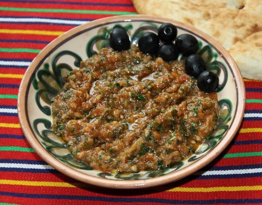 Маха бринджал - Пюре из баклажанов, шпината и помидоров