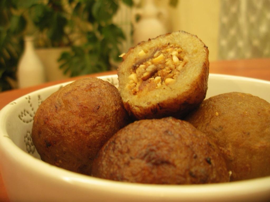 КЕРВАЙ - Фаршированные банановые шарики, жаренные во фритюре