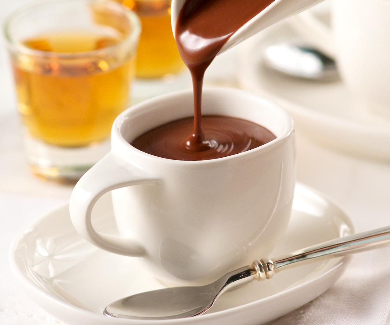 Густой горячий шоколад со специями