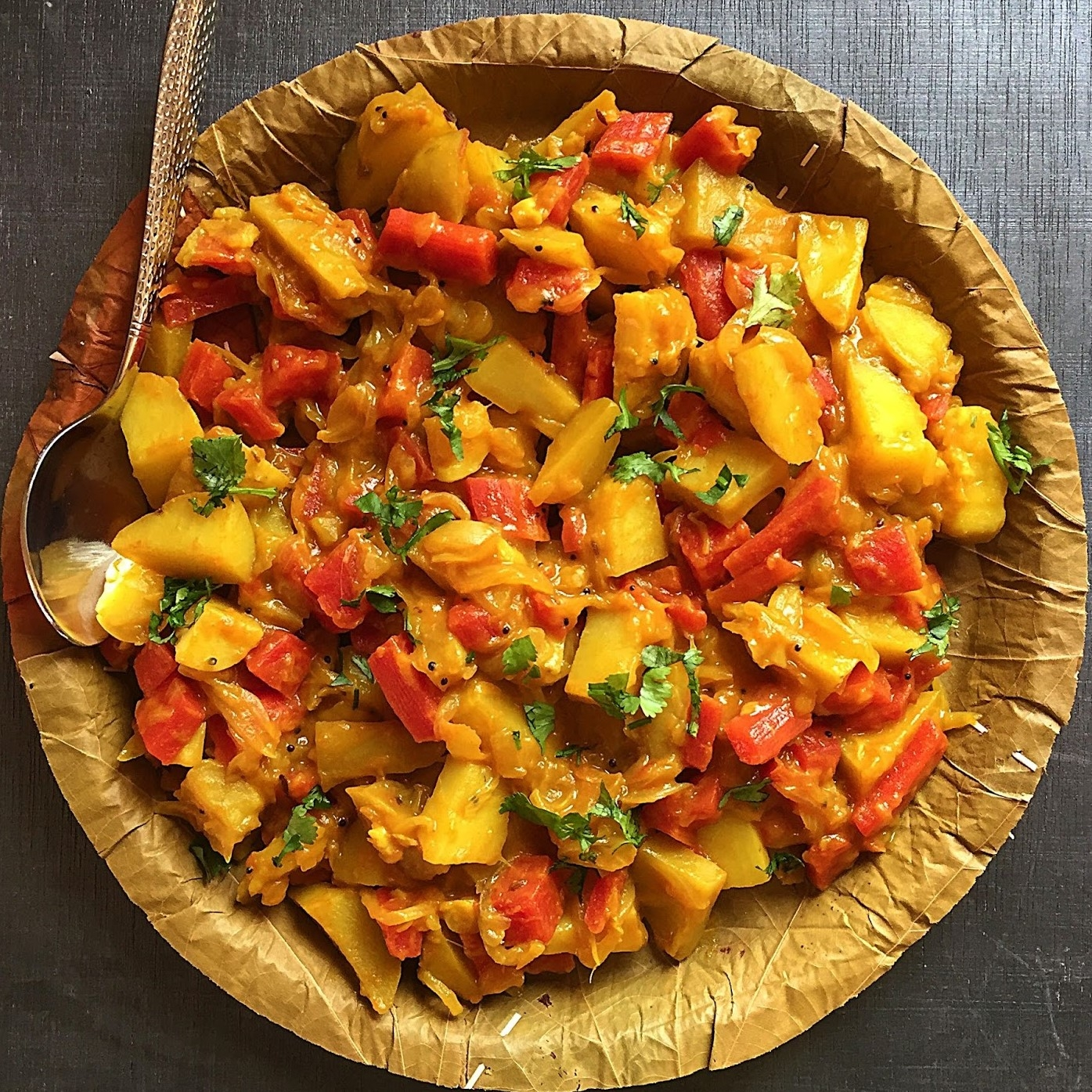 Алу Гаджар Сабджи - Картофельно-морковный карри