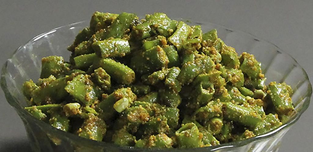 Фасоль, приправленная семенами кунжута