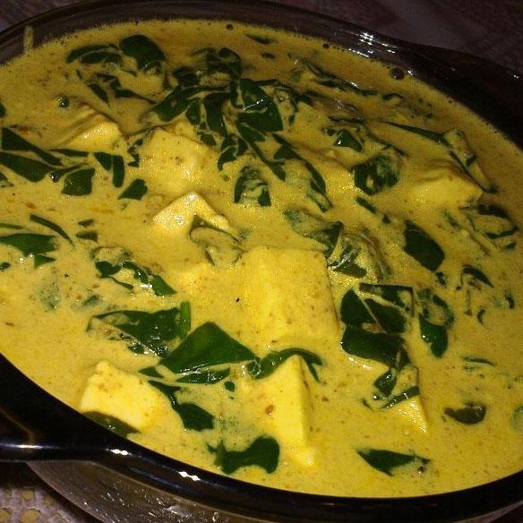 Паровой шпинат со свежим сыром