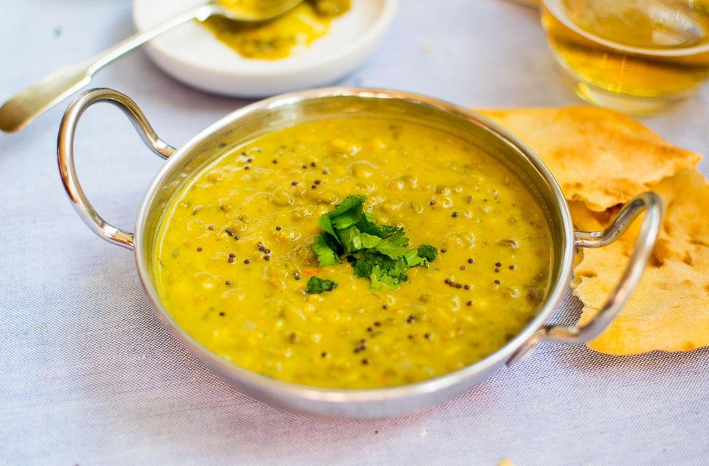 Митхи гхани дал - Пророщенные бобы мунг в соусе из йогурта